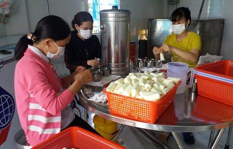 Xã Châu Pha, Tx. Phú Mỹ (Bà Rịa - Vũng Tàu): Gặp khó đầu ra, người nuôi bò sữa giảm đàn
