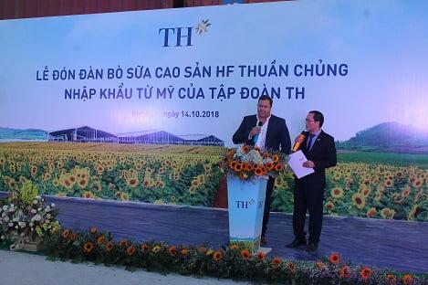 """Tập đoàn TH: Đón 1800 bò sữa siêu cao sản """"nhập quốc tịch"""" Việt Nam"""