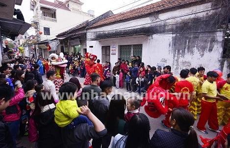 """Lễ hội rước """"ông lợn' làng La Phù…"""