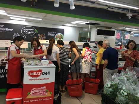 Người Việt hào hứng đón nhận thịt lợn mát chuẩn châu Âu