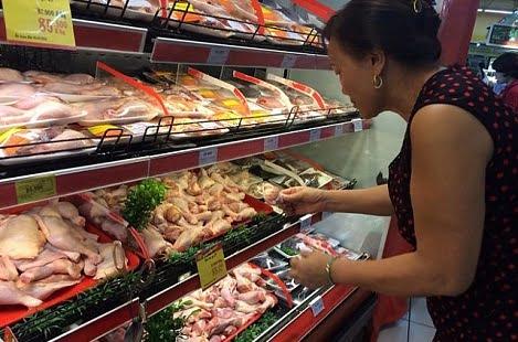 Thịt gà nhập Mỹ bán ở Việt Nam chỉ 18.000 đồng/kg