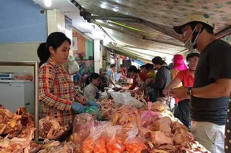 Bộ Công Thương lên tiếng về gà ngoại ồ ạt vào Việt Nam